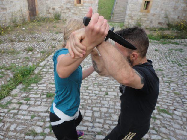 Angriff mit Messer verteidigen Erfurt