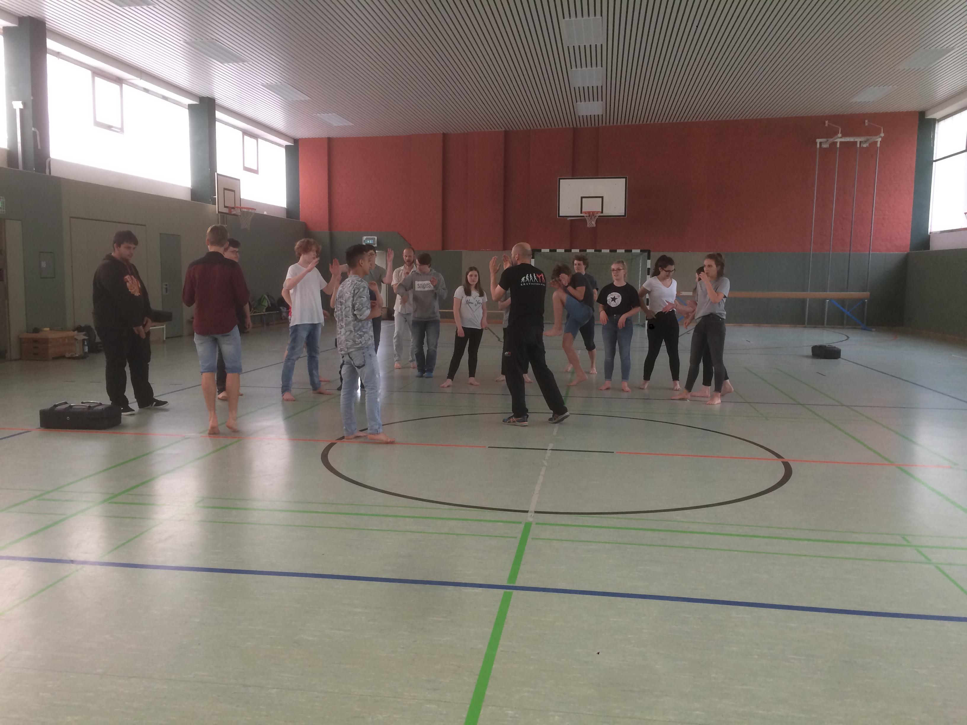 Selbstverteidigung im Seminar-Reflex-Erfurt-Krav Maga (4)