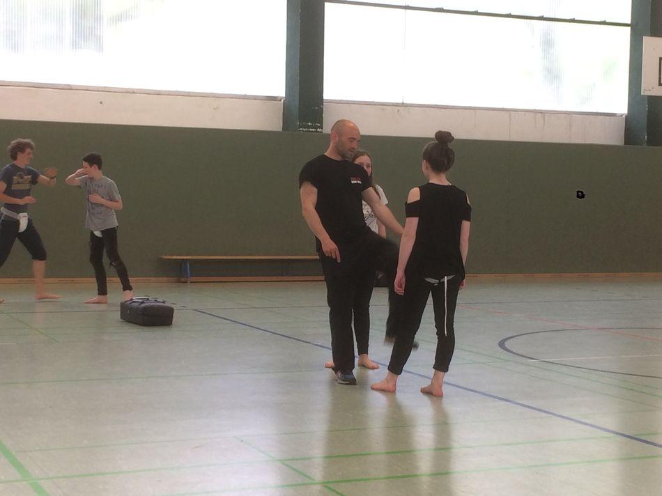 Selbstverteidigung im Seminar-Reflex-Erfurt-Krav Maga (1)